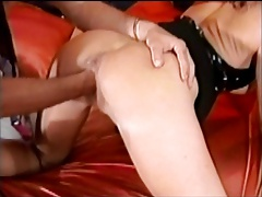 Brunette with a great ass gettting pussy fisted