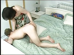 Sexy Mommie catches her boy - RTS