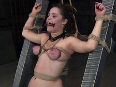 Prisoner wench gets a whipping for her smooth butt