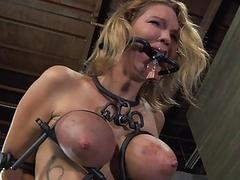 Tough dame in shackles acquires will not hear of twat pumped
