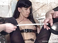 Feet tortures of slave Elise Graves nearly dungeon bondage