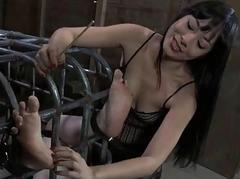 Beauty in latex dress gets cunt with the addition of anal prodding