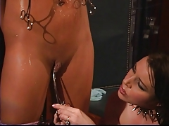 Lesbos seduction and ass quartering